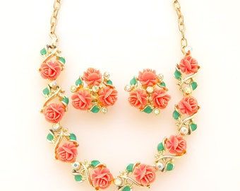 1950s Bright and colorful coral carved celluloid flower iridescent rhinestone gold kitsch rockabilly statement demi parure jewelry set