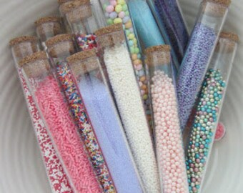 100 Clear Test Tubes and Corks - Candy Favor - Wedding - Party- GIfts or Packaging Wedding Favors /  Birthday / Favor Tubes
