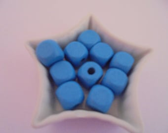 13 blue wood beads 10 mm cube
