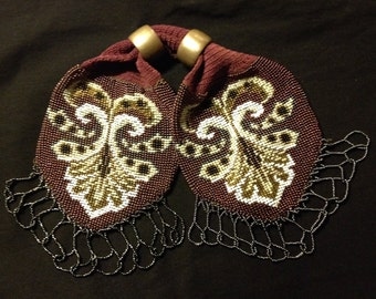Miser's purse, knitted with seedbeads,  with 2 silver closing rings, old French pattern, accessory, with elaborate frinch