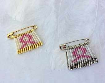 Breast Cancer Pins/Breast Cancer Brooch/Teacher Pin/Gift for Teacher/Pink Ribbon Pins/Gift for Her/Gift for Him/Survivor/Lapel Pin