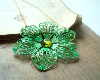 Green Painted Flower Necklace Spring Fashion Bridesmaid Jewelry Flower Jewelry Floral Necklace Statement Necklace Vintage Style