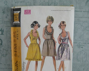 McCall's Misses and Junior Dress in Three Versions Dressmaking Pattern 9498 Vintage 1960's