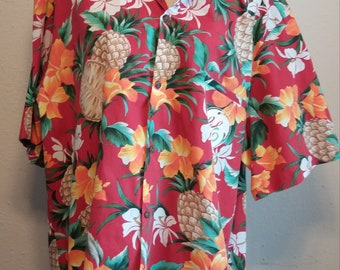 Vintage ROYAL CREATIONS Brand Red Men's Hawaiian shirt Made in Hawaii Aloha shirt PINEAPPLES flowers Poly/Cotton Blend