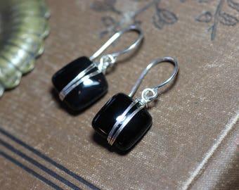 Les boucles d'oreilles Onyx noir boucles d'oreilles fil d'argent Pierre noire