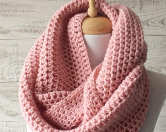 Pink knit infinity scarf wool scarf chunky knit scarf circle winter scarf womens scarf / FAST DELIVERY