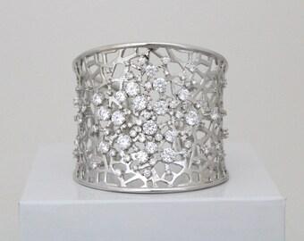 Crystal bridal bracelet, Bridal jewelry, Wedding bracelet, Cuff bracelet, Swarovski bracelet, Wedding jewelry, Statement bracelet, Rose gold
