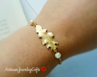 Gold Oak Leaf Bracelet Pearl Bracelet Bridesmaid Bracelet Woodland Bracelet Gold Leaf Bracelet Mother's Day Gift For Her Handmade Jewelry