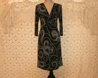Mod Dress Womens Medium V Neck Knit Dress Fitted Black White Midi Dress 3/4 Sleeve Womens Dresses Swirl Polka Dot Print Womens Clothing