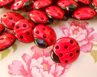 Ladybug Buttons Red 12 pcs