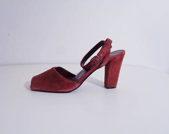 90s Does 70s MAROON Ankle Strap SUEDE Heels!, 39, 8