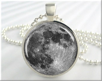 Full Moon Pendant, Lunar Space Moon Necklace, Resin Picture Art Pendant, Full Moon Jewelry, Round Silver Necklace, Space Geek Gift 190RS