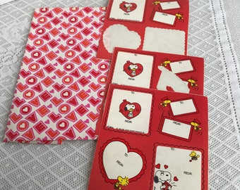 Vintage Love Wrapping Paper with Snoopy Valentine Hearts Gift Tags / Gift Wrap for Valentine's Day and Weddings