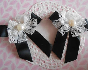 Bow black satin, lace, acrylic bead, 7,00 cm in height by 2 bows.