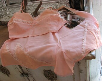 Dead Stock 1940s Vintage Peach Pink Bra & Panty Set~Ivory Crochet Trim
