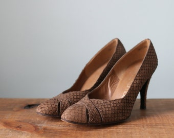 Vintage Brown Suede Snakeskin High Heel Pump Shoes / Stuart Weitzman for Mr. Seymour Size 6.5