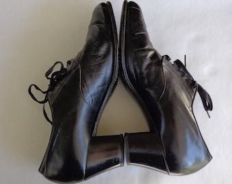 Vintage 30's Women's Black Lace-up Shoes