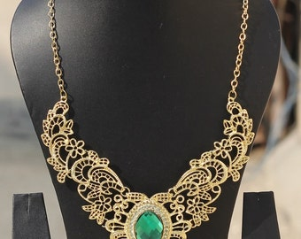 Gold Green Gem Indian Necklace, Bib Statement Necklace, Choker Necklace, Goth Necklace, Collar Necklace, Boho Tribal, Bridesmaid Necklace