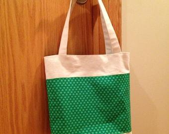 Tote. Shoulder Bag. Canvas. Green. Shamrock. Saint Patrick's Day. St. Patrick's Day