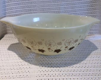 Pyrex JAJ Gold Wild Rose Cinderella 3 Pint Mixing Bowl circa 1960 #443