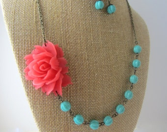 Coral Bridesmaid Jewelry Set Beaded Flower Necklace Coral Statement Necklace Coral and Turquoise Floral Necklace