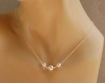 Mariée collier de perles, cadeau de bijoux de demoiselle d'honneur, mariage cadeau de parti, Swarovski perles en argent Sterling, le collier petit vœux blanc