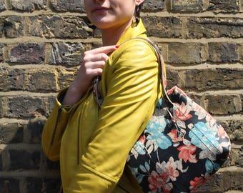 Dolly Clip Frame Shoulder Bag in Spamish Floral Leather