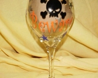 Halloween Wine Glass Beware Skull