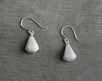 White diamond ceramic earrings, White earrings Romantic statement earrings White earrings Bridesmaid jewellery Mothers jewelry -boohua
