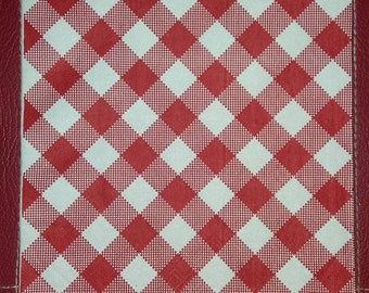 USA Seller ~ Two (2) Paper Napkins for Decoupage ~ FREE SHIP ~ Red & White