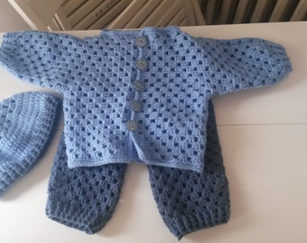 Lacy complete set of 3/6 months, handmade, (possibility to realize her in other sizes and/or colours d)