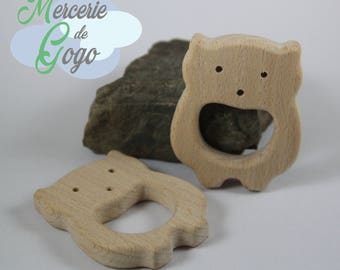 Bear shape 4 natural wooden teething ring.