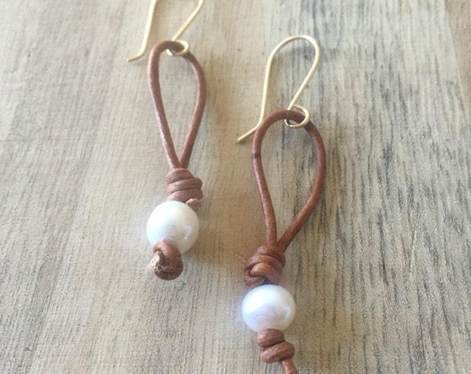 Freshwater Pearl Earrings, Pearl Earrings, Leather and Pearl Earrings, Knotted Leather Earrings, Boho Earrings, Leather Earrings, Freshwater