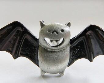 JJ Jonette Smiling Halloween Vintage Bat Pin