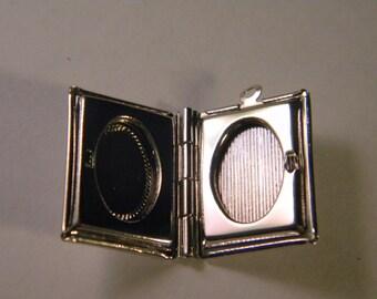 1 pendant - Locket door photo-book - 23 mm B026