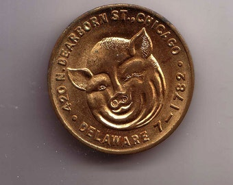 Gus's Good Food Matching Coin Dearborn Street Chicago Exonumia Pig Face Pig's rear End