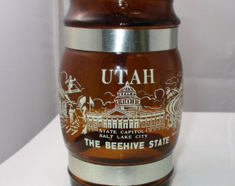 Vintage Siesta Ware The Beehive State Brown Glass Mug with Wooden Handle in Excellent Condition Utah