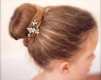 Flower girl diamanté hair pin