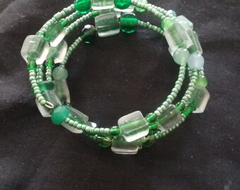 Green Beaded Bracelet, Memory Wire Bracelet, Ready to Ship, Green Bracelet, Fashion Accessory in Green