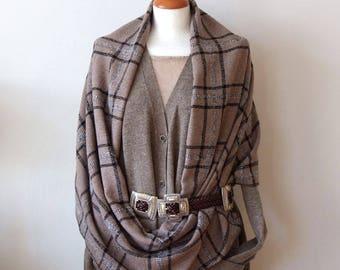 Large Plaid Scarf Loop / Unisex Infinity Scarf / Extra Wide Wool Shawl / Woodland Tartan Winter Scarf / Beige and Black Scarf / Plaid Wrap