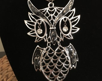 Vintage Owl Necklace Pendant Very Long Silver Tone Chain 70's 80's