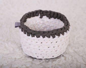 Crochet basket/ Storage basket/ Multifunctional box/ Nursery basket/ Home decor d=17 cm
