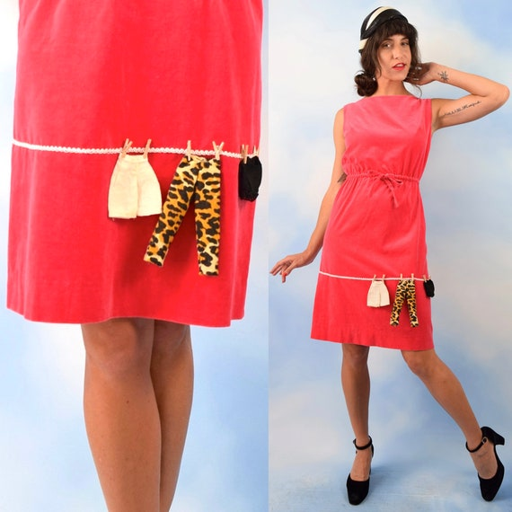 Vintage 60s Laundry Line Hottest Pink Velvet Shift Dress with Clothesline Applique (size small)