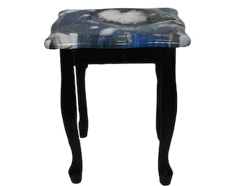 lamp table with resin top