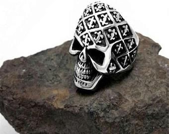 Brand new size 10 titanium silver Skull ring