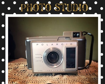 Vintage Polaroid Land Camera J33