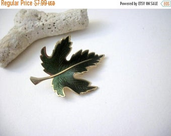 ON SALE Vintage Gold Tone Olive Enameled Leaf Pin 9517