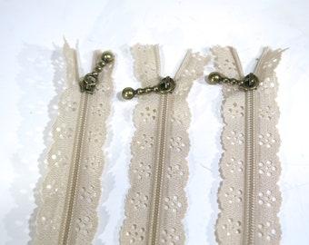 10pc zipper 40cm / 16 inch beige lace closed end (Z87B)