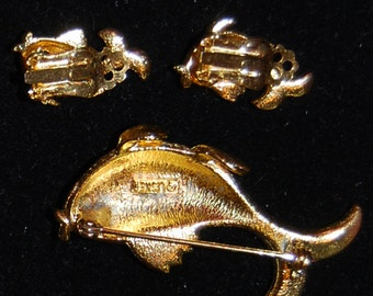 signed lisner fish pin and earring set