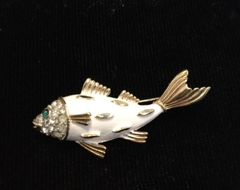 CROWN TRIFARI White Enameled Fish Brooch